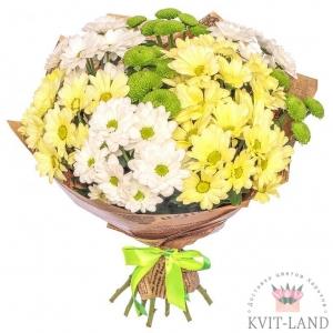 хризантема разная в букете