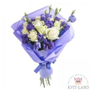 букет с эустомы и розы