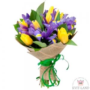 букет из желтого тюльпана и синего ириса