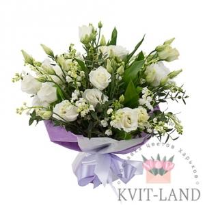 букет из ландыша эустомы и розы