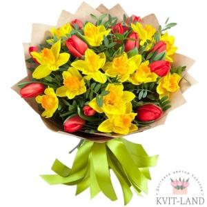 нарцисс и тюльпан в букете