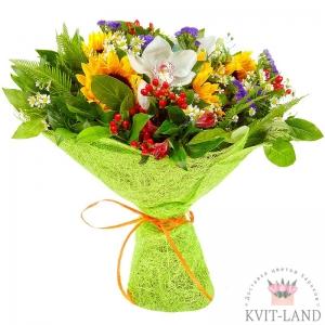 букет цветов в зелёной упаковке