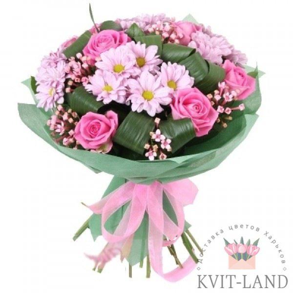 в розовых тонах букет цветов