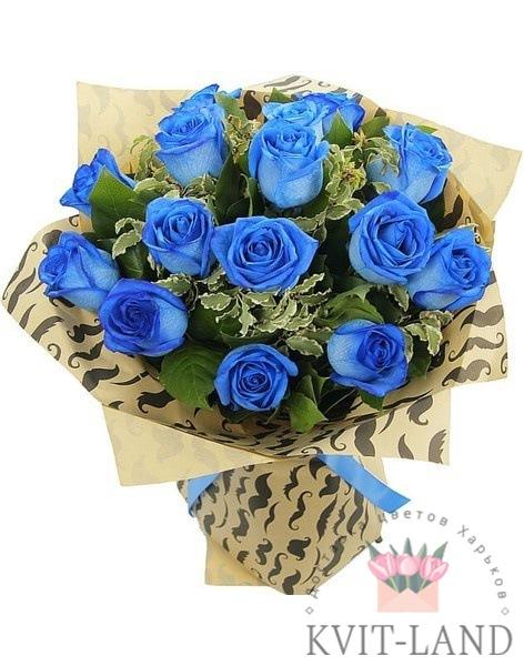 синяя роза в букете
