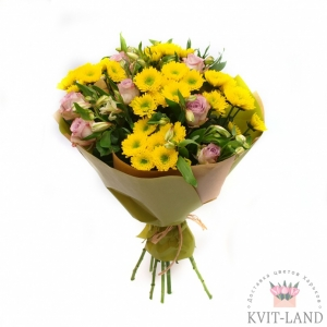 хризантема и эустома в букете