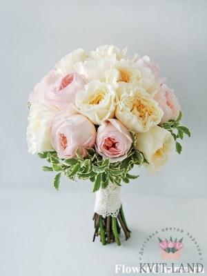 пионовидная роза в букете невесты