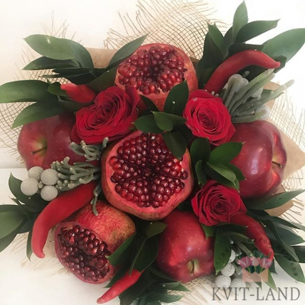фруктовый букет с розой