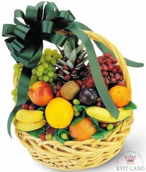 фруктовая композиция в корзине
