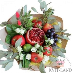 цветы и фрукты в букете