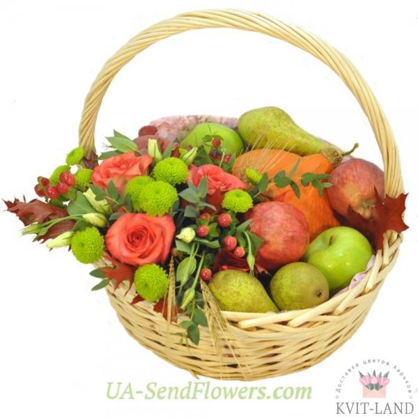 корзина с фруктовой композицией