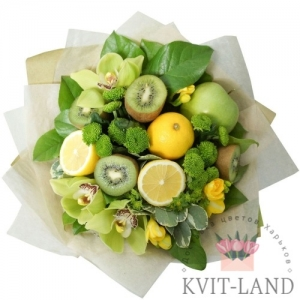 красивый букет из фруктов