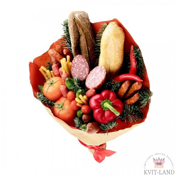 букет сьедобный из колбасы хлеба и овощей