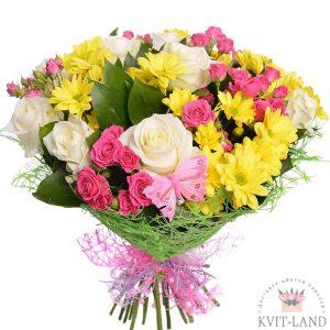 роза с хризантемой в букете