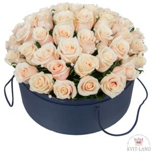 Круглая коробка с кремовой розой 45 шт - доставка цветов в Харькове