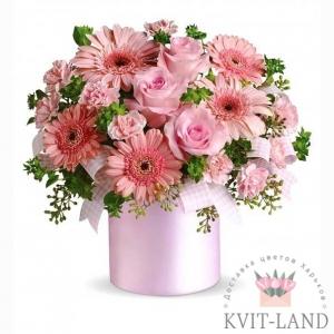 круглая коробка с розовым букетом