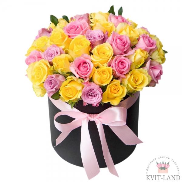 круглая коробка с розой