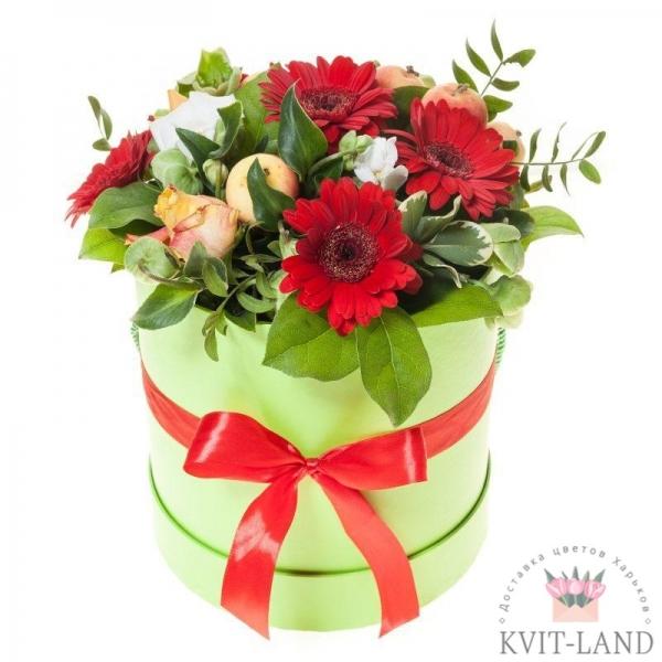 коробка шляпная с букетом цветов