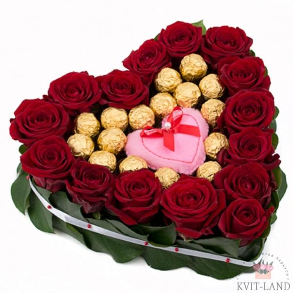 каркас сердце из роз с конфетами