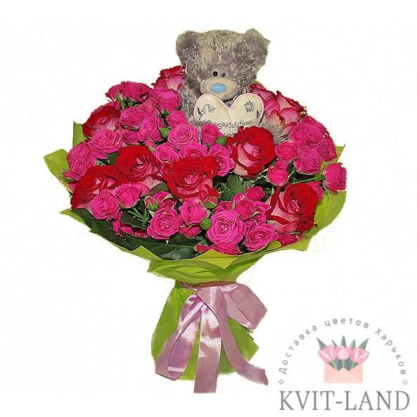 игрушка мишка в букете роз