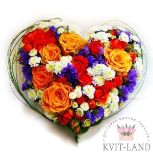 каркас сердце из разных цветов