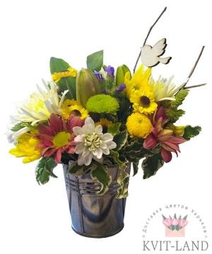 открытка в букете цветов