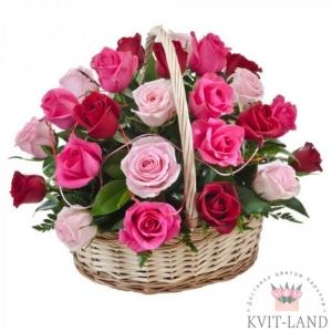 корзина красной и розовой розы