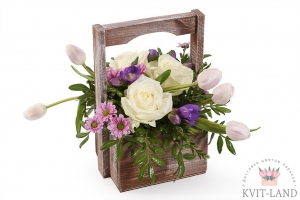 цветочный букет в ящике