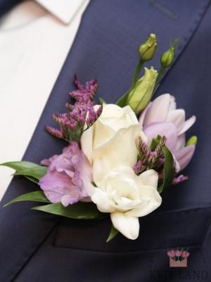 красивая бутоньерка из цветов