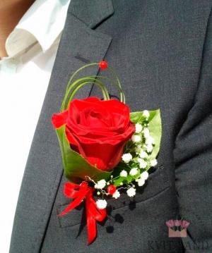 красивая бутоньерка из розы