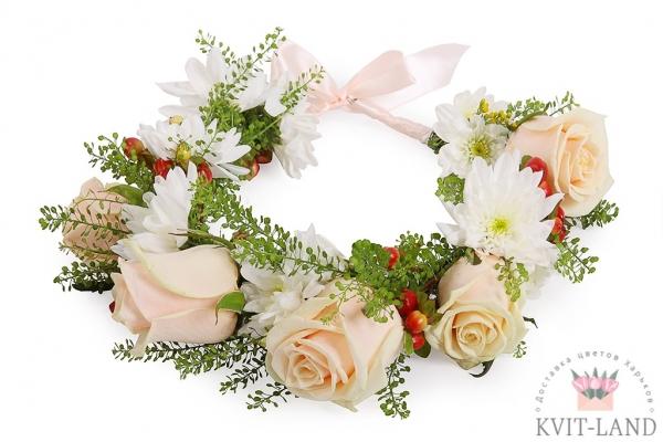 красивый цветочый венок