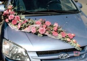 цветочное украшение свадебного авто