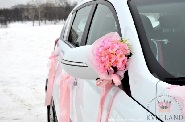 оформление автозеркала цветами