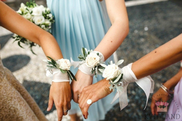 браслет из цветов свадебный