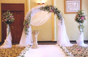 свадебная арка в цветах