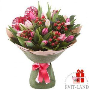 тюльпан с сердечком в букете