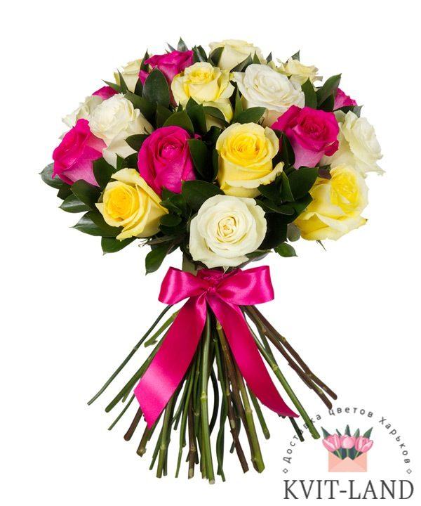 разноцветный букет из роз