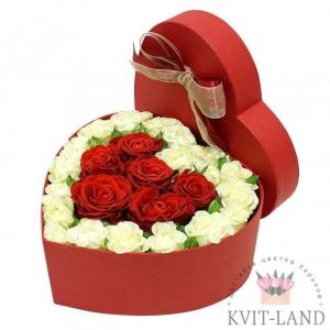 Роза в коробке сердце