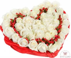 роза в каркасе сердце