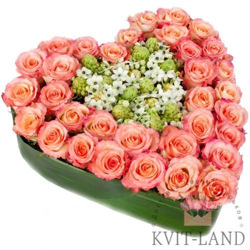 сердце из цветов большое