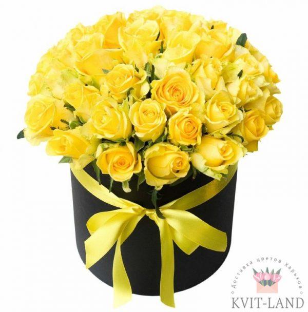 шляпная коробка с желтой розой