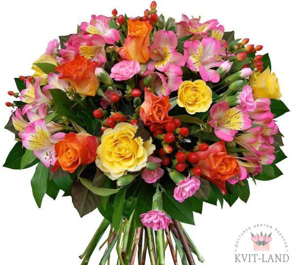 букет цветов с экзотикой