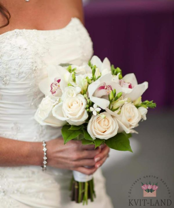 свадебный букет белоснежный