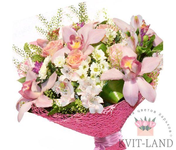 букет цветов в розовом цвете
