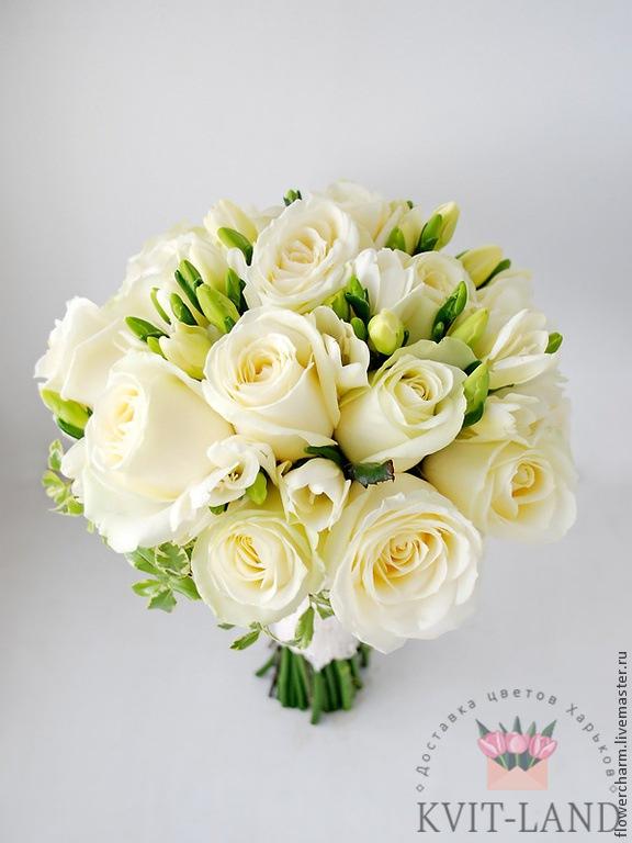свадебный букет из белых цветов