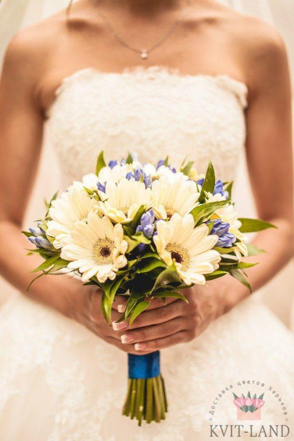 гербера в свадебном букете