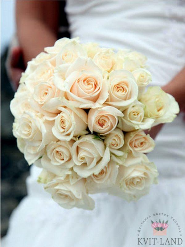 свадебный букет кремового цвета