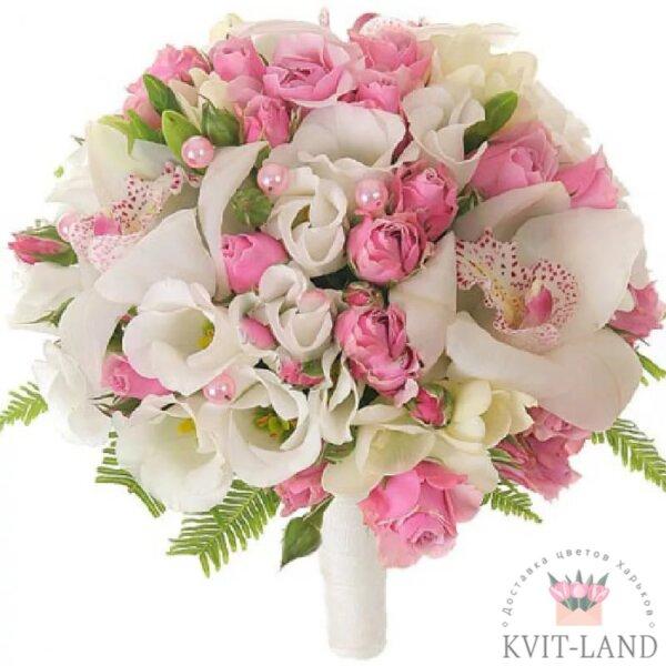 розово-белый свадебный букет