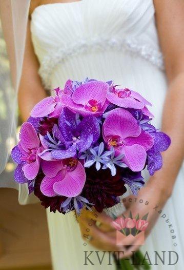 свадебный букет в руках