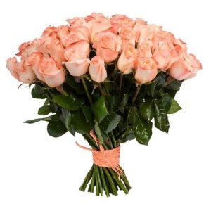 пятьдесят одна кремовая роза