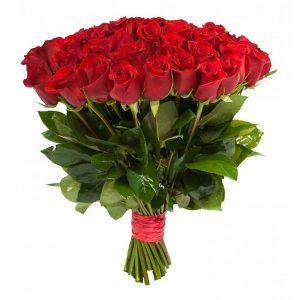 из красных роз букет